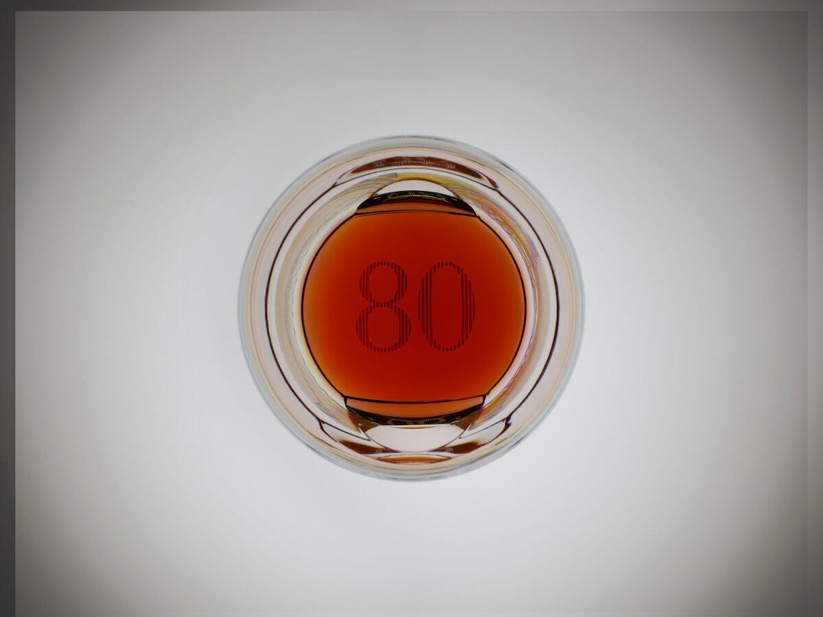 高登麥克菲爾Gordon-_-MacPhail世代系列格蘭利威酒廠80年單一麥芽威士忌-玻璃瓶身照