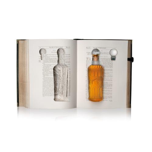 麥卡倫70年威士忌「傳奇之初首部曲Tales of The Macallan Volume 1」書冊商品展開圖